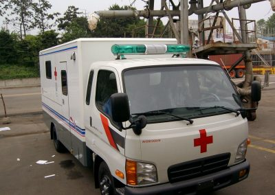 2005.10 룡천참사 피해자 구호를 위해 지원된 다목적_의료차량