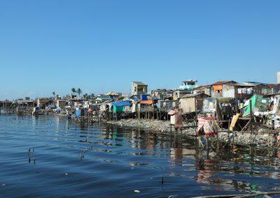봉사 대상지인 필리핀 최대 도시빈민지역 나보타스 해상판자촌 전경 2011.02
