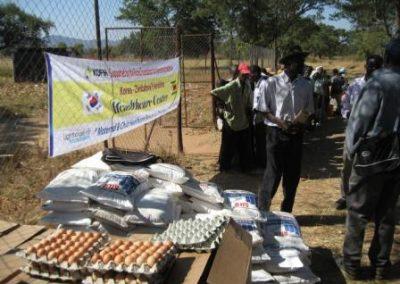 월별 식량분배를 위해 준비된 식량들 2011.06