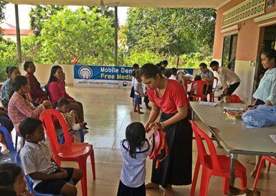 캄보디아 씨엠립, 사까다 마을 이동진료1-2017