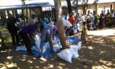 말라위 보건소 빈곤 환자 식량 지원